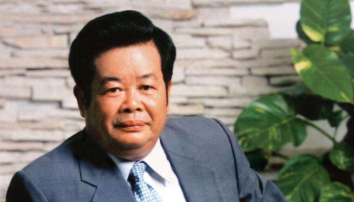 曹德旺捐赠14亿元助力闽鄂黔三省扶贫救灾、医疗、教育等项目