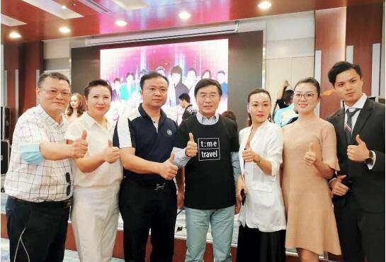 """""""365爱心手牵手""""关爱孤残儿童公益活动在深圳成功举行"""